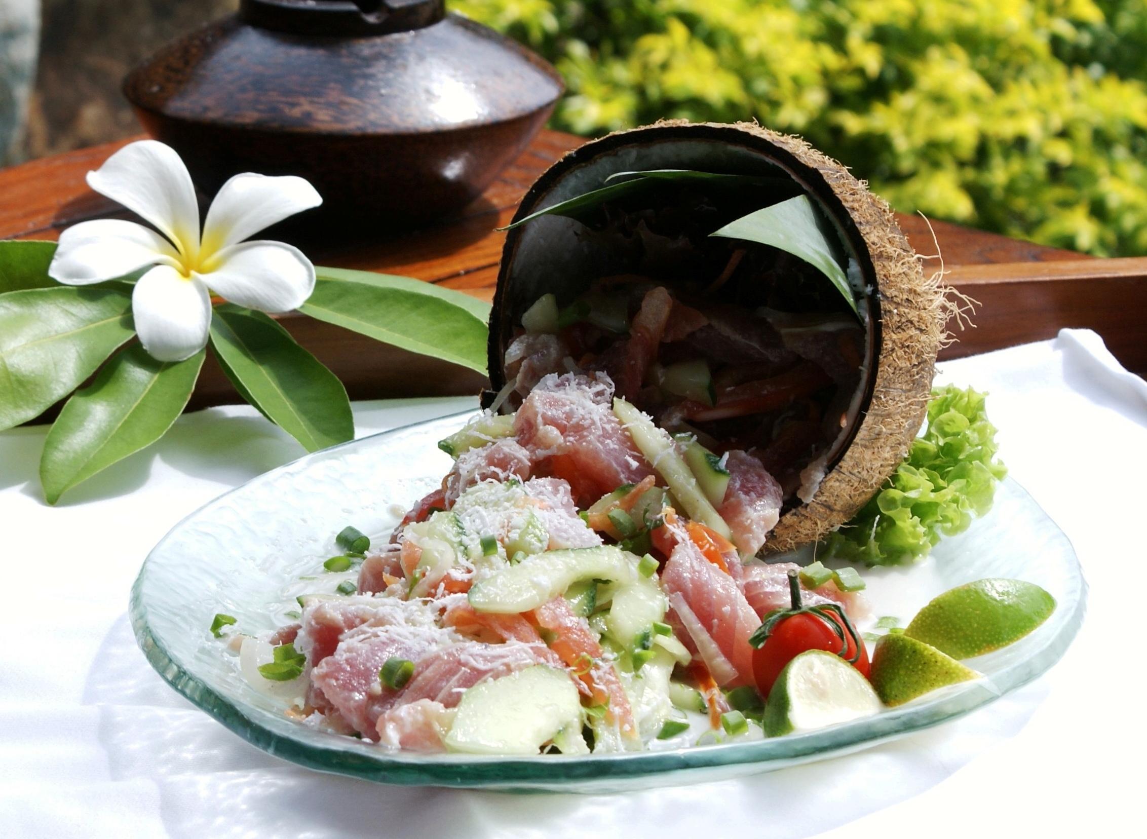 Un plat de poisson cru à la tahitienne
